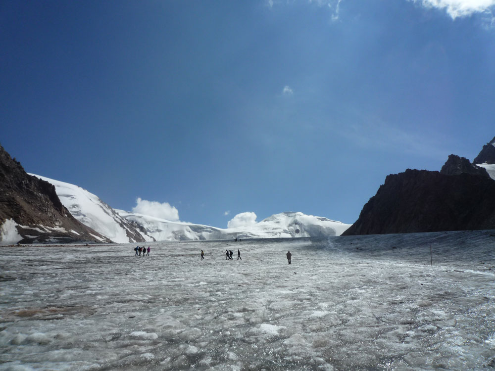 expedition-am-tuyuksu-gletscher-72dpi